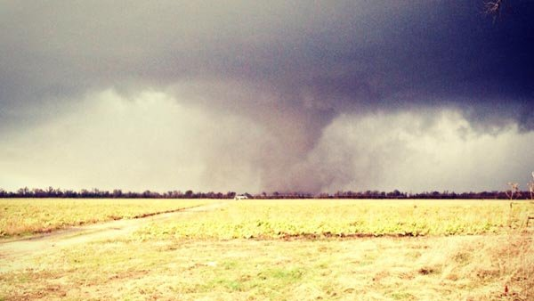 A tornado made landfall near Mr. Vernon IL. (Source: KFVS)