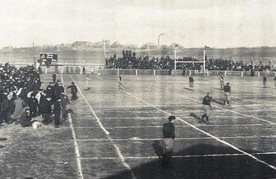 Game 2 between Massillon and Canton in 1906, shown here, was the subject of much controversy. (Source: Wikimedia Commons)
