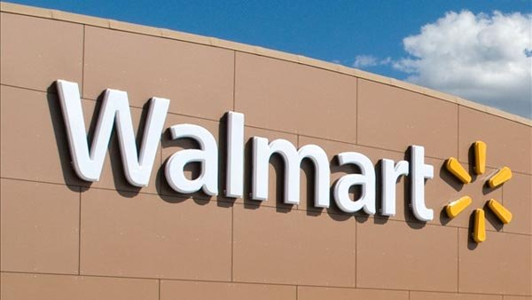 Employees at a Walmart in Ohio can donate to a food drive that benefits other employees. (Source: corporate.walmart.com/MGN)
