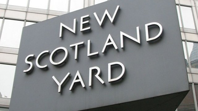 Sign for the New Scotland Yard Metropolitan Police in London (Source: Man vyi/MGN)
