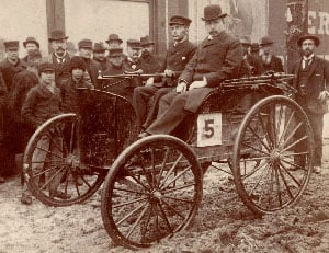 The Duryea motor wagon that won the first automobile race in American history. (Source: Wikimedia Commons)