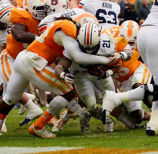 Helping pace Auburn's rushing offense, which is second in the nation is Tre Mason. (Source: Todd van Emst/Auburn University)