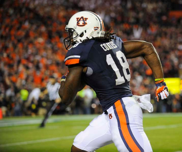 Auburn's Sammie Coates runs down the sideline for a game-tying touchdown in the fourth quarter. (Source: Todd van Emst/Auburn University)