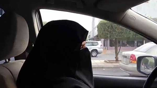 Aziza al-Yousef drives in defiance of a Saudi Arabian law that bans women from driving. (Source: YouTube/CNN)