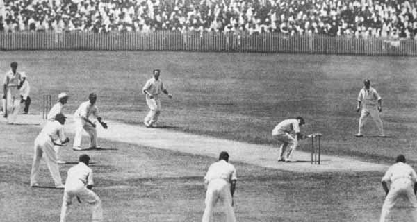 Bill Woodfull avoids a bodyline ball during the 1932-33 Ashes series. (Source: Wikimedia Commons)