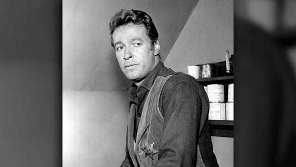 "Russell Johnson, known for playing the ""Professor"" on Gilligan's Island, has died at age 89. (Source: Wikimedia)"
