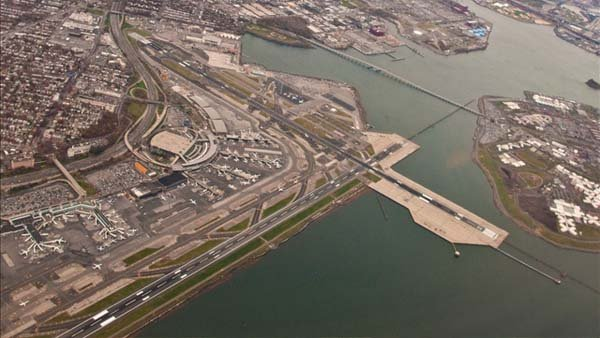 A 2009 photo of LaGuardia Airport in New York. (Source: Phillip Capper / Flickr)