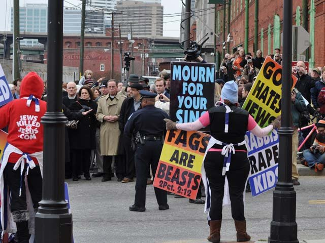 Westboro Baptist Church members demonstrate at the Virginia Holocaust Museum on March 2, 2010. (Source: Wikicommons)