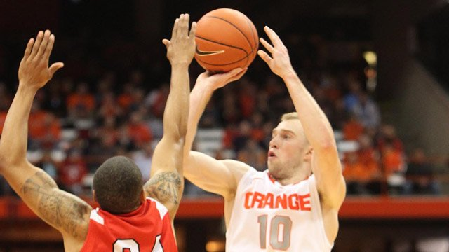Trevor Cooney (10) and the Syracuse Orange meet No. 11 seed Dayton in the Round of 32. (Source: Syracuse University Athletic Communications)