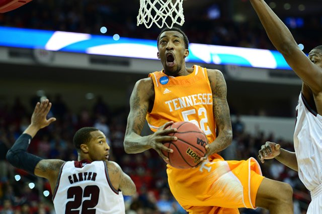 Jordan McRae (52) drives to the basket against UMass in the Tennessee Volunteers' Second Round game.