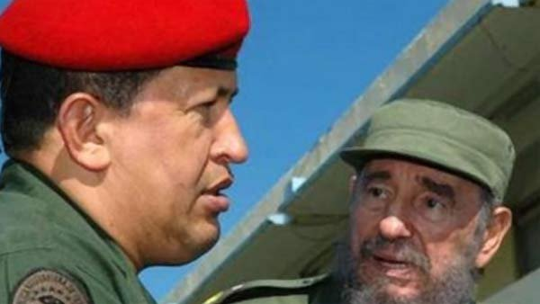 The late Hugo Chavez, left, used Venezuela's abundant oil revenues to prop up Cuba, run for decades by Fidel Castro, right, experts say. (Source: Wikimedia Commons)
