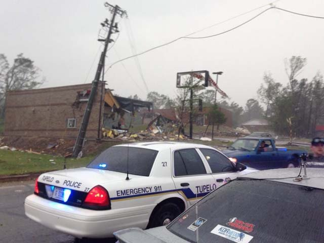 Damage is reported around the northern part of Tupelo, MS. (Source: @TabithaHawk/Twitter)