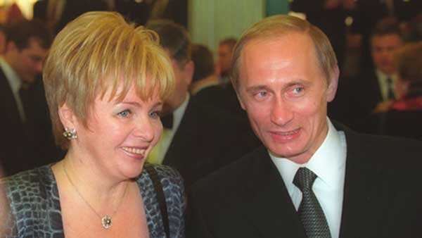 Russian President Vladimir Putin and his wife Lyudmila, shown in 2000, finalized their divorce this spring.  (Source: www.Kremlin.ru via WikimediaCommons)