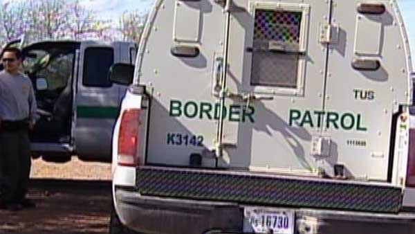 Thousands of child migrants have overwhelmed U.S. Border Patrol agents along the southern border. (Source: CNN)
