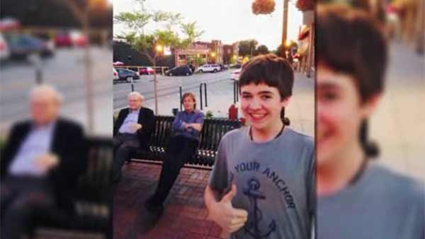 A 16-year-old boy snapped a selfie with Warren Buffett and Paul McCartney in Omaha, NE. (Source: John Murray/CNN))