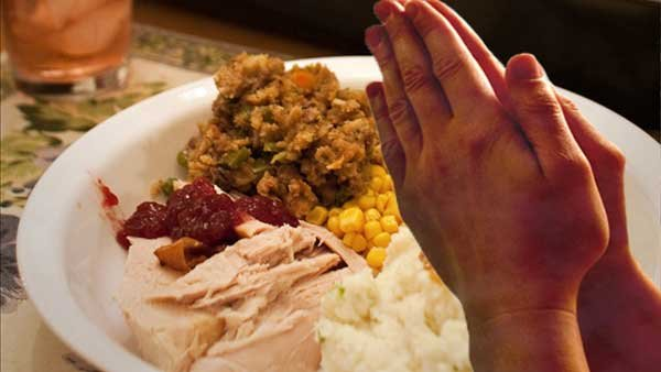 Diners who pray before their meal at Mary's Gourmet Diner in NC might get a discount for doing so. (Source: MGN Online)