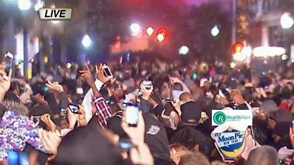 Crowds celebrate following the MoonPie's drop. (Source: WLOX)